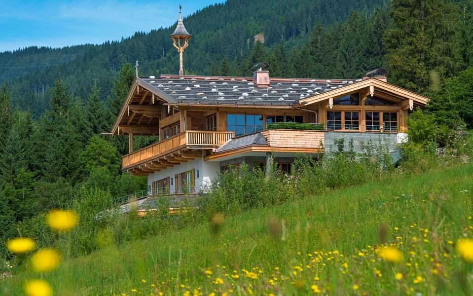 landhaus in kirchberg. Black Bedroom Furniture Sets. Home Design Ideas
