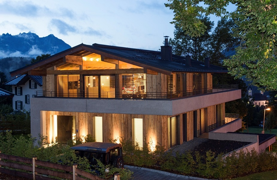 Wohnhaus mit b roetage n he kitzb hel for Wohnhaus modern